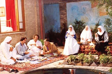 Sahnehaye Besyar Ziba Az Madar - Ali Hatami